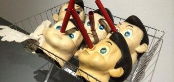 Стоматолог заставлял людей надевать маску Пиноккио