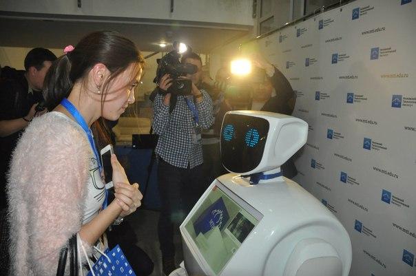 В Московском вузе взяли на работу робота